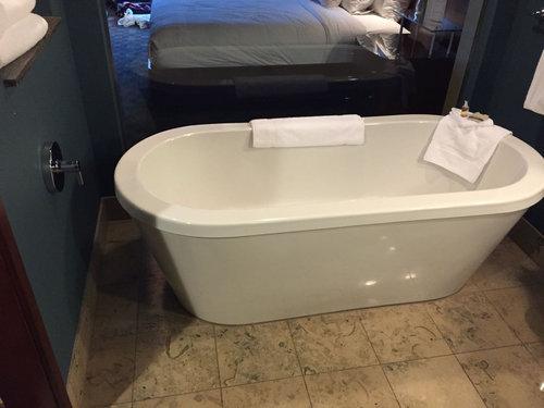 天井からお風呂の水02