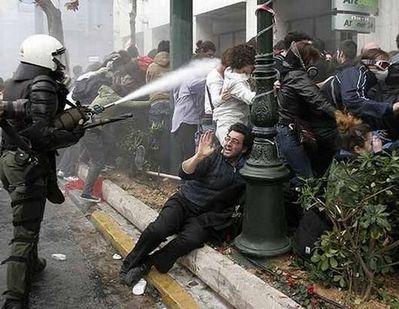 デモや暴動04