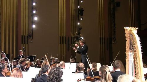 オーケストラで居眠り女性が叫び声05