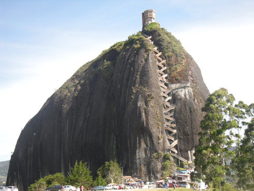 巨岩「ラ・ピエドラ・デル・ペニョール」03