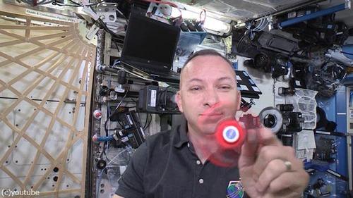 ハンドスピナーを宇宙で回してみたよ03