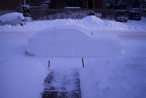 車の雪像に駐禁06
