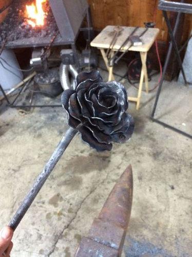 鉄塊を使って彼女にロマンチックなプレゼント06