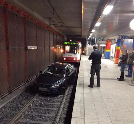 ドルトムントの電車が遅れる理由01