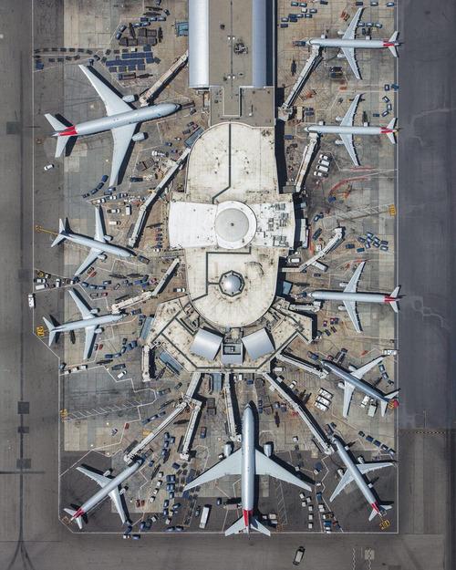 ロサンゼルス空港ターミナル401