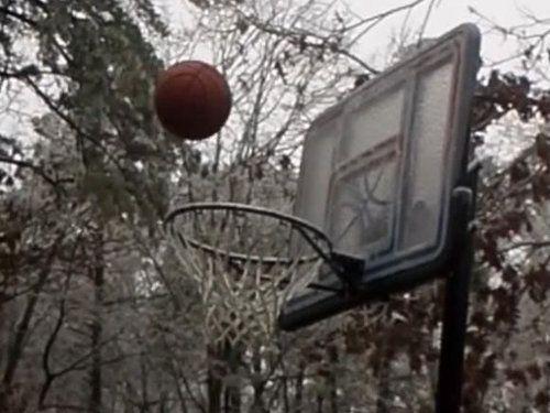 極寒の日にバスケが難しい理由00