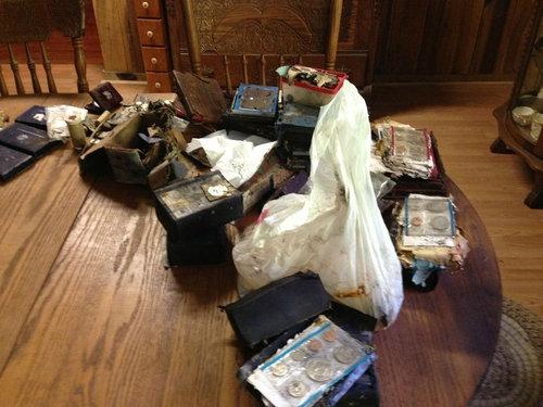 祖父母宅の床から隠し金庫10
