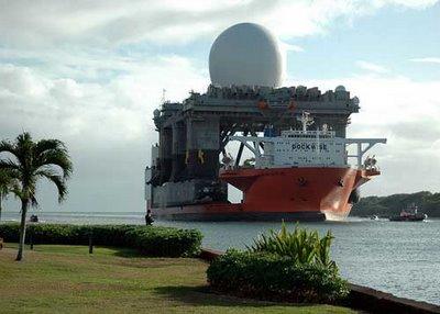 巨大なものを運ぶ船03