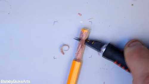 芸術家が本気で鉛筆を削るとこうなる02