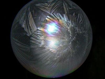 凍ったシャボン玉01