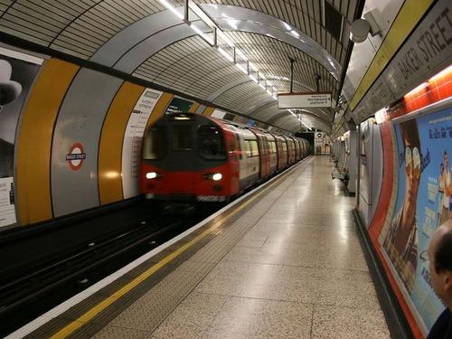 ロンドンの地下鉄情報00
