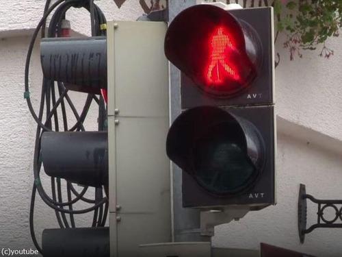 ドイツにプレスリーの信号機01