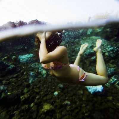 水面の上と下06