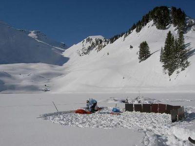 雪山の頂でお風呂04