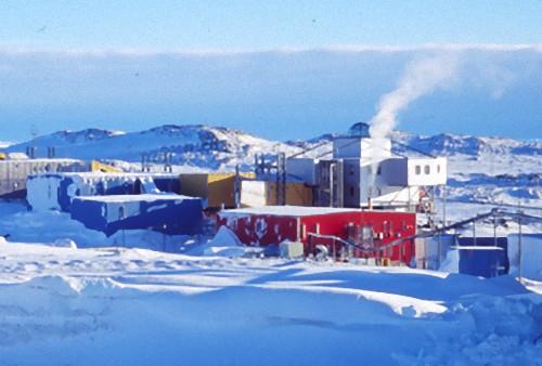 南極基地00