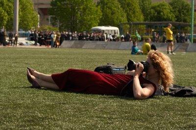 写真を撮られるカメラマン014