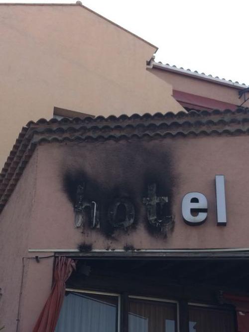 海外の安ホテルで起こること18