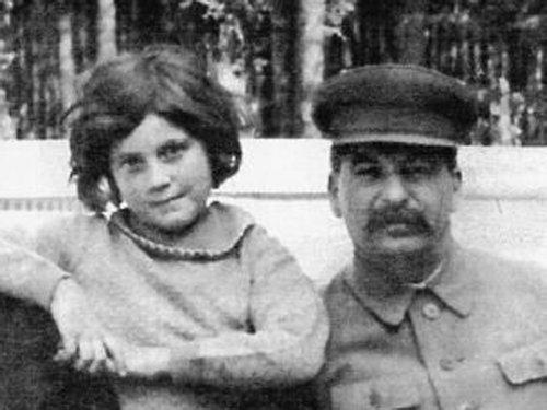 スターリンの孫娘08