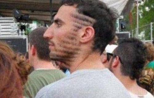 風変わりなヘアスタイル07