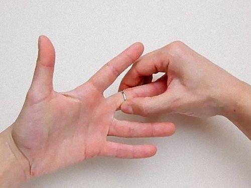 指輪が抜けないときに使うツール00
