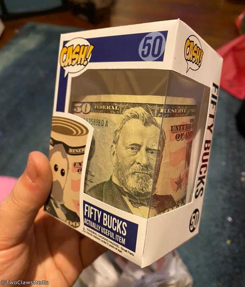 現金を夢のあるプレゼントにした叔父さん04