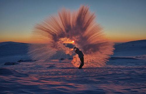 北極で魔法瓶の紅茶を振りまいたら01