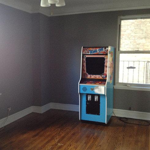 部屋を昔のゲームセンター風に改装02