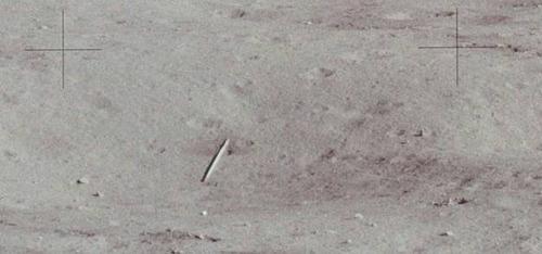 月面の遺留品07
