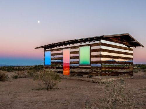 木と鏡で作った透明の家04