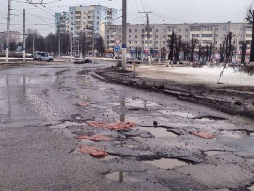 ロシア流の道路補修06