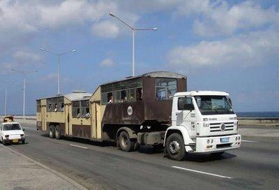 キューバのらくだバス12