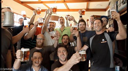 自宅の蛇口からビールが出てくるドッキリ11