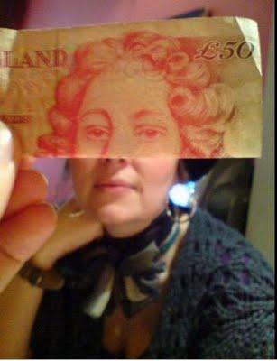 紙幣の肖像画と合体10