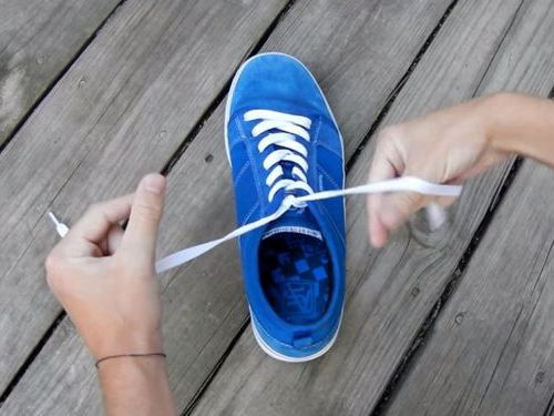 靴ひもの高速結び04