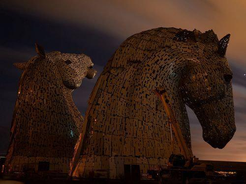 スコットランドにケルピーの巨像13