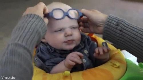 初めてママの顔を鮮明に見た赤ちゃん01
