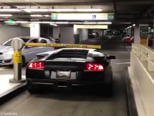 ランボルギーニと駐車料金04