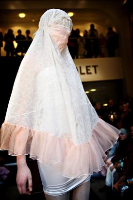 イスラム女性向けのファッションショー04