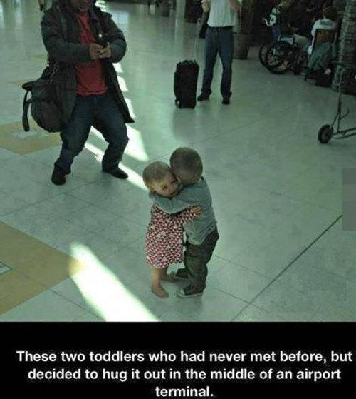 空港で見かける奇妙な事 04