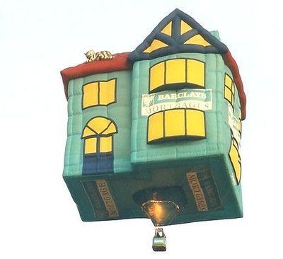 奇抜なデザインをした世界のおもしろ気球 02