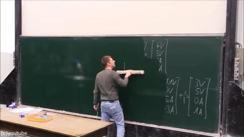 大学の講義中にまさかのアクシデント04