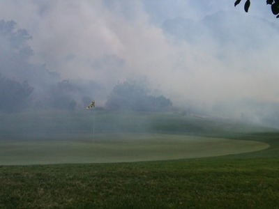 ゴルフ場燃える03
