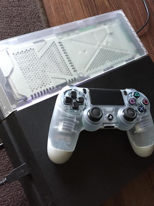 PS4の透明コントローラー01