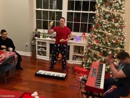 クリスマスソングのジャグリング05