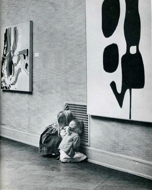 現代美術館で子供が見ていたもの01
