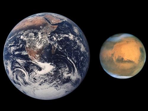 火星から地球を見上げると、こう見える00