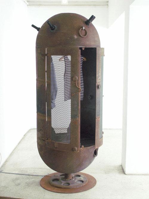ソ連時代の「機雷」をインテリアに改造09