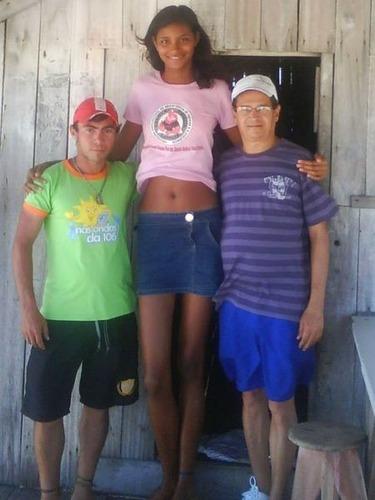 身長2メートルを越す美少女02