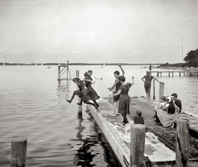 100年前の水着03
