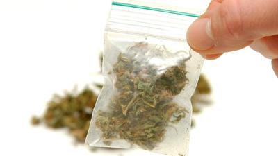 おでこに大麻01